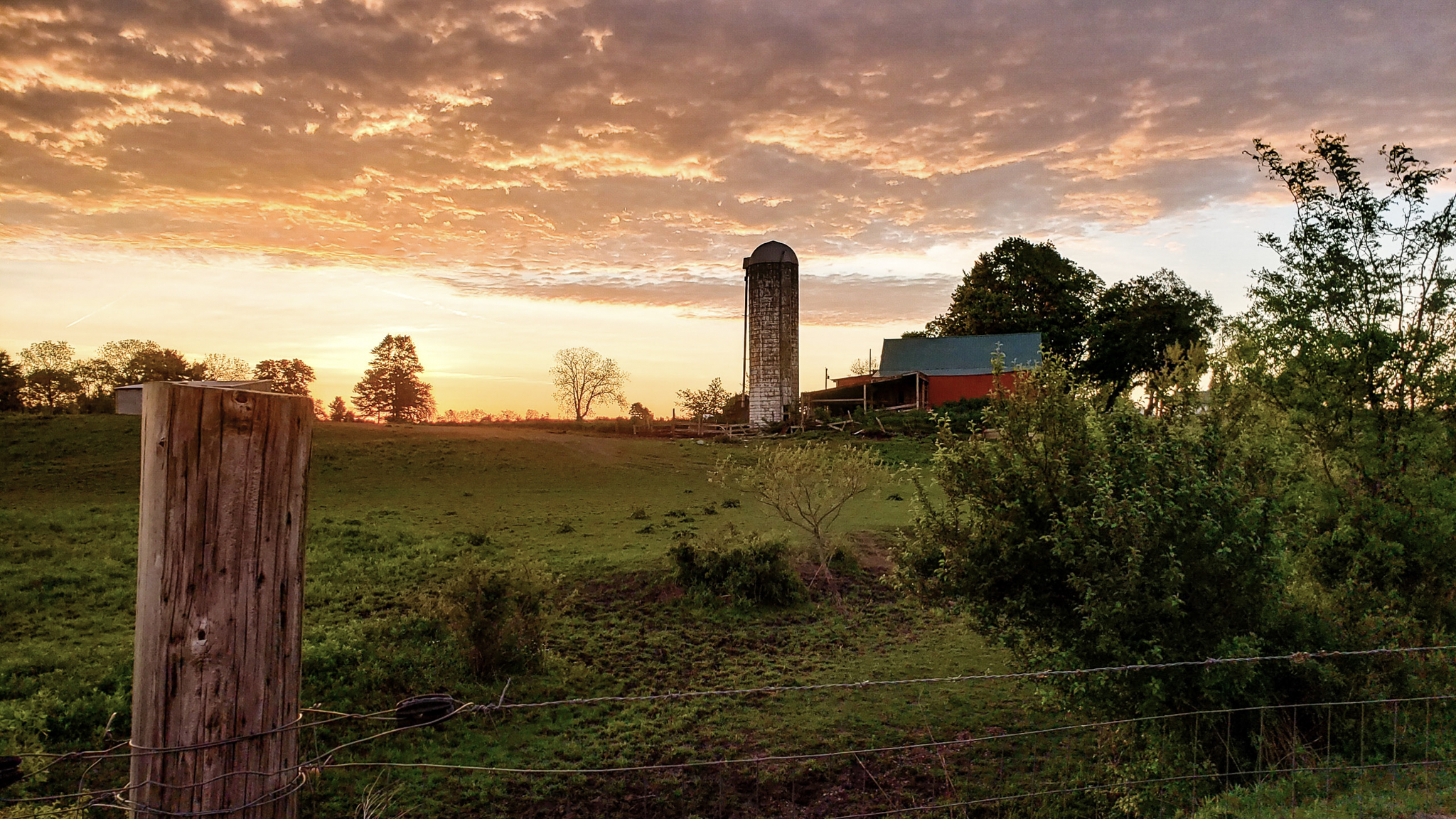 21-May-2019 Spring Sunrise on the farm