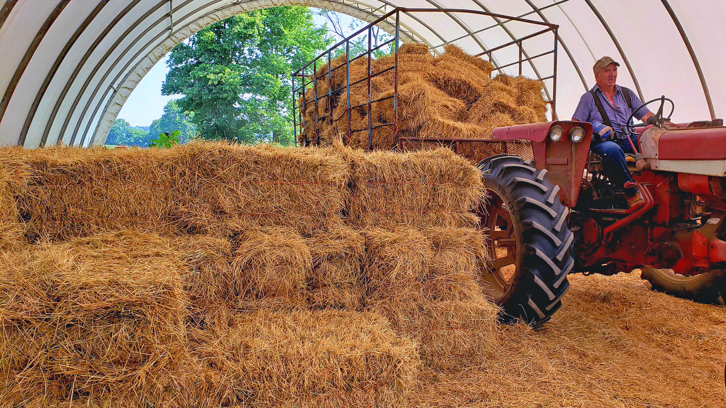Hay and straw baling time
